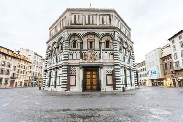 A Firenze la replica della Porta Sud del Battistero
