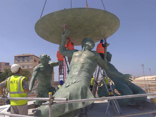 Fontana del Tritone restaurata dalla Marinelli 1905